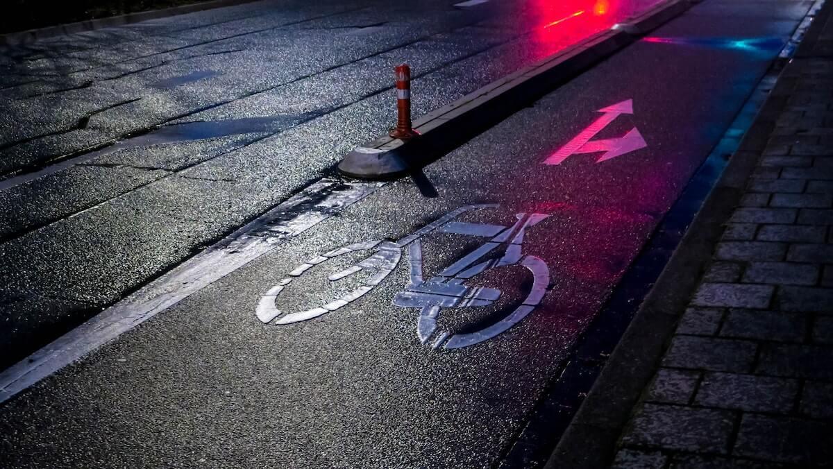 commuting by bike header